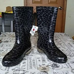 Nwt:Womens tall rain boots! Perfect rain+snow+mud